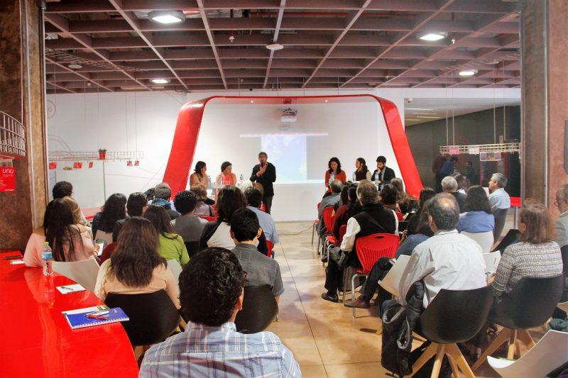 Alrededor de 40 docentes e investigadores PUCP asistieron al conversatorio organizado por la OEIN.